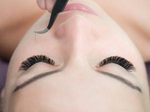 fee0f996fbb Eyelash Extensions Training ⋆ Bronwyn Conroy Beauty School for ...